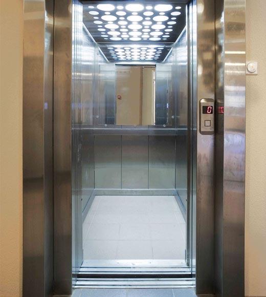 Mantenimiento de limpieza en ascensores grupo berni for Ascensores unifamiliares sin mantenimiento