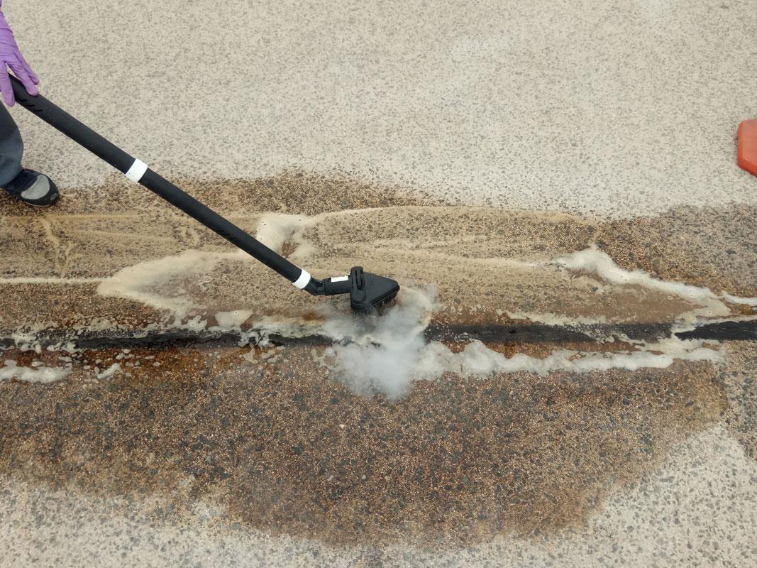 limpieza de manchas de aceite aeropuerto